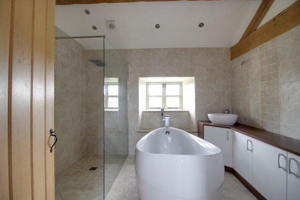 Bath & Show...