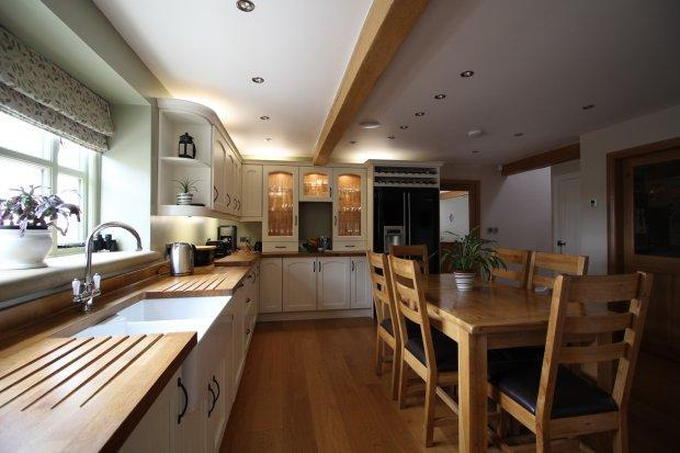 Kitchen & D...