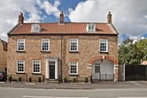 6 bedroom Detached property for sale in Westgate, North Cave...