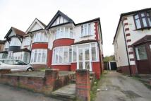 3 bedroom semi detached house in Stradbroke Grove...