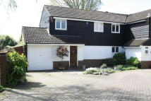 4 bed semi detached house in Owen Gardens...