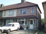 3 bedroom semi detached house to rent in Romford, RM7