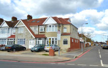 5 bed End of Terrace property in Eastern Avenue, Ilford...