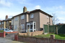 3 bedroom End of Terrace property to rent in Three Bedroom House...