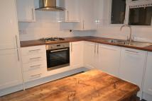 2 bedroom Flat in Chigwell Road, E18