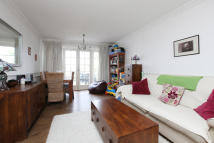 2 bed Terraced home for sale in Hassocks Close, London...
