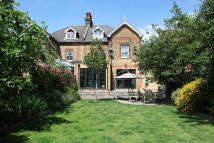 6 bedroom semi detached home for sale in Kings Hall Road...