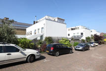 4 bed semi detached house in Rush Common Mews, London...