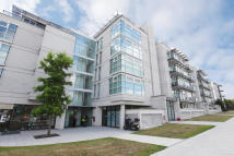 Apartment for sale in Phoenix Way, London, SW18