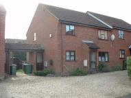 2 bed Flat in Warren Place, Toftwood...