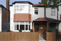 4 bed semi detached house in Abinger Road, London, W4