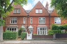 4 bed property in Priory Avenue, London, W4