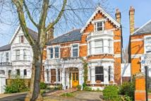 6 bedroom Detached house in Walpole Gardens, London...