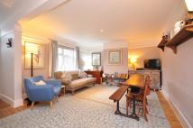 Flat in Thames Road, London, W4