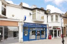 Flat for sale in Chiswick High Road...