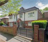 7 bed house in Barrowgate Road, London...