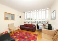 Flat to rent in 2 bedroom property in...