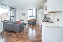 2 bedroom new Flat in 2 bedroom Top Floor...