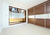 3 bed Flat in 3 bedroom property in...