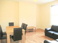 Ground Flat to rent in Exeter Road, London, NW2