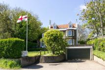 5 bed Detached property in Walmer