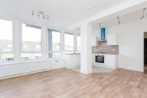 Flat to rent in Kerr House (10)...
