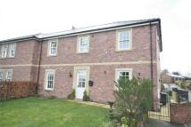 4 bedroom semi detached house in 39 Strawberry How...