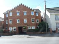 2 bedroom Flat in Victoria Avenue, Chard...