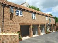 High Street Detached property to rent