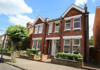 4 bed semi detached property for sale in Meadow Road, Tonbridge