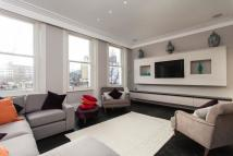 Penthouse to rent in Phillimore Gardens...