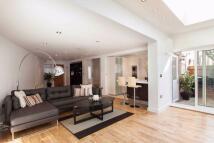 4 bedroom End of Terrace property to rent in Burdett Mews...