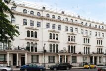 1 bedroom Flat in Kensington Garden Square...