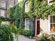 2 bedroom Cottage to rent in Kensington Church Walk...