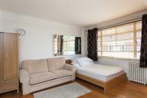 Studio apartment in Nell Gwynn House...