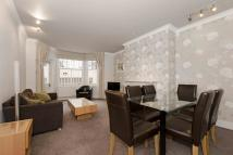 2 bed Apartment in Cheniston Gardens...