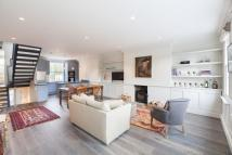 Apartment to rent in Powis Gardens...