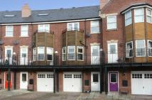 Town House for sale in Huntington Crescent...