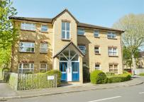 2 bedroom Flat for sale in Monmouth Close, Chiswick
