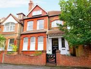 1 bedroom Flat to rent in Fairlawn Grove, Chiswick