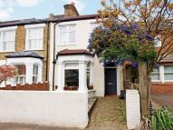 2 bedroom semi detached house to rent in Waldeck Road, Chiswick