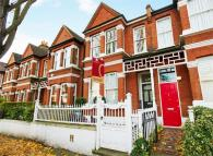 Terraced house to rent in Brookfield Road, Chiswick