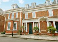 6 bed semi detached house to rent in Redcliffe Gardens...