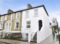 Ground Maisonette to rent in Devonshire Road, Chiswick