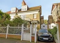 Detached house in Woodstock Road, Chiswick