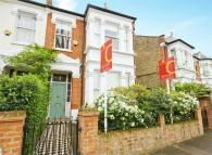 5 bed semi detached house in Prebend Gardens, Chiswick