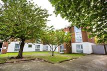 Flat in Ravensmede Way, Chiswick
