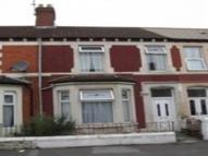 2 bed Flat to rent in Coedcae Street...