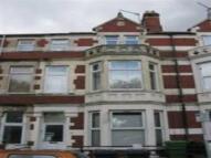 Flat to rent in Blaenclydach Street...