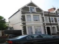 Flat to rent in Claude Road, Roath...